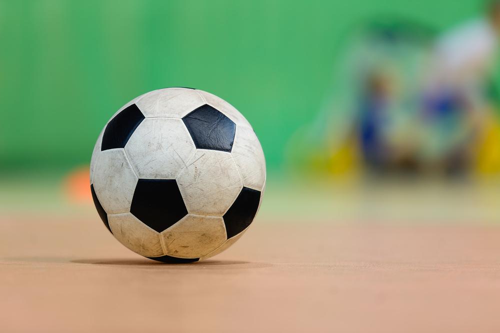 Fotbolls match på Djurö bollplan -pojkar 8